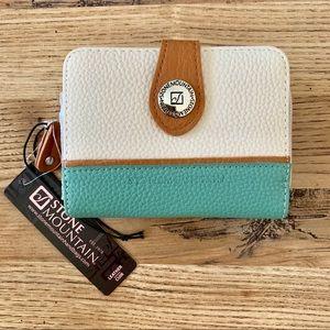 NWT Stone Mountain leather wallet